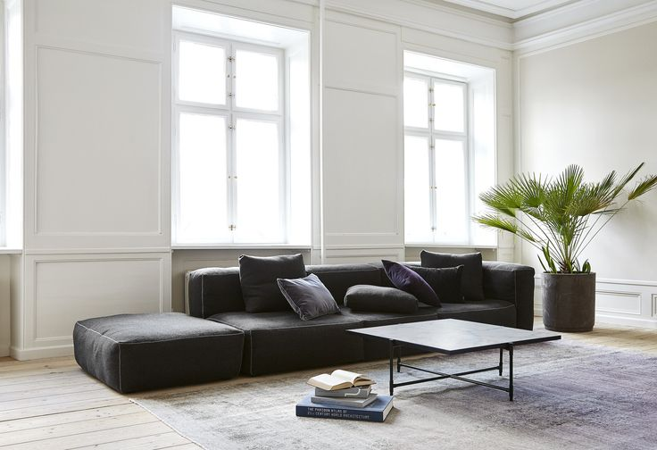 The HANDVÄRK Showroom in the middle of Copenhagen. The Coffee Table 90 white marble in combination with HAY Sofa