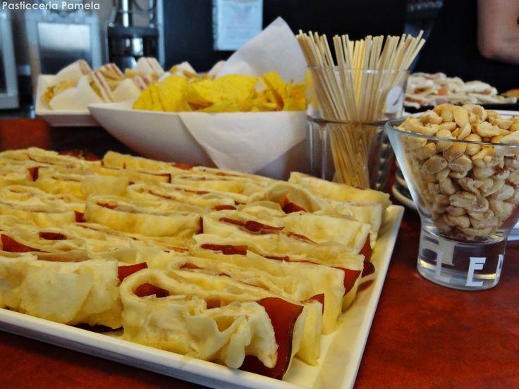 ...per iniziare alla grande il weekend!! Seguici su https://www.facebook.com/PasticceriaPamela  #happy #weekend #aperitivo #salato #pasticceriapamela #modena
