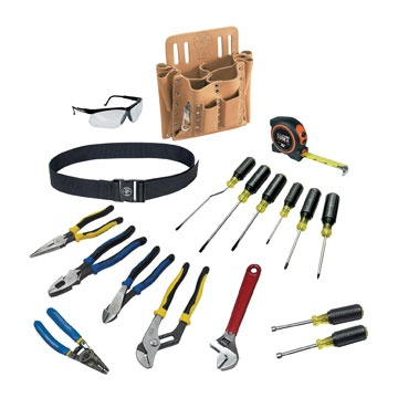 18-Piece Journeyman Tool Set (80118) - ive dad all the tools he could need with this 18-Piece Tool Set.  It includes a wide range of tools; pliers, screwdrivers, a tape measure, an adjustable wrench, and a wire stripper.  Plus it comes all packed into a durable leather tool pouch!
