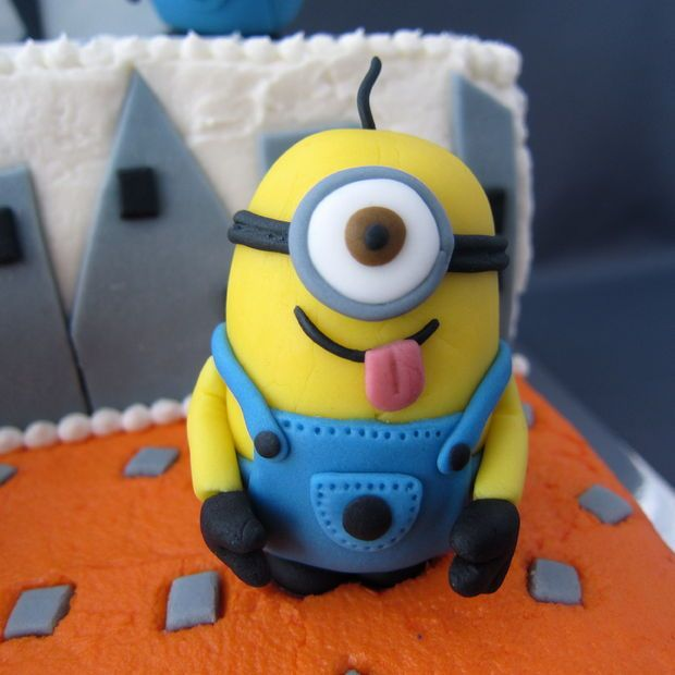 Despicable Me fondant minions for birthday cake