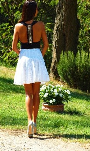 <3: Summer Dresses, Cute Outfits, Black White, Summer Outfits, Fashion Hats, Summer Fun, White Skirts, Open Back, Back Details