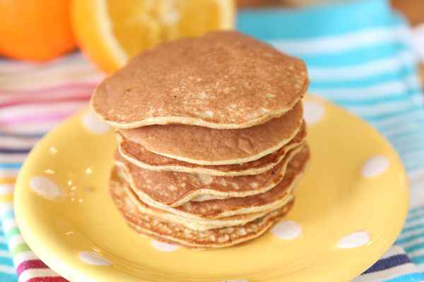 2-ingredient Pancakes 1 large banana and 2 eggs! Gluten free, low calorie, high protein... must try