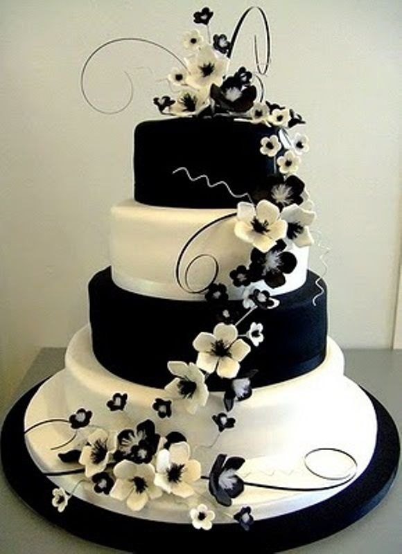 pretty cake for a monochrome wedding