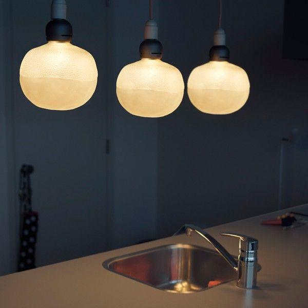 Booo Sale - Booo Bulb by Nacho Carbonell lichtbron LED. Deze bubbel vliegt niet weg, maar verlicht jouw interieur! #Booo #lampen #lichtbron #design #Flinders