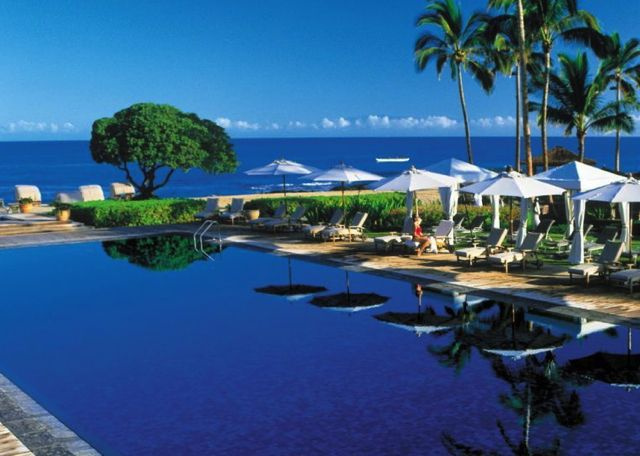 Four Seasons Hualalai: Perfect for a Hawaii Honeymoon