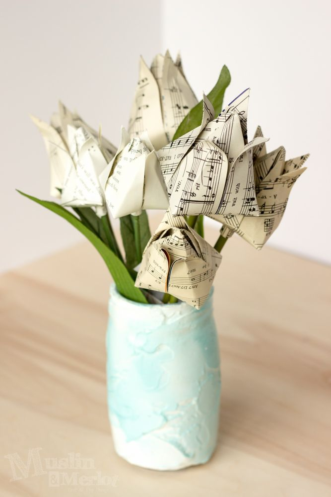 Origami tulips made from vintage papers. Very pretty and not too difficult.