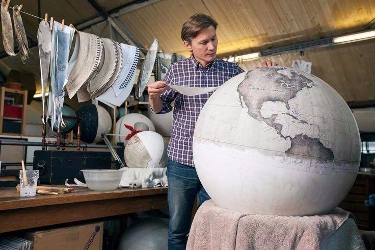 А вам когда-нибудь было интересно, как делают глобусы?