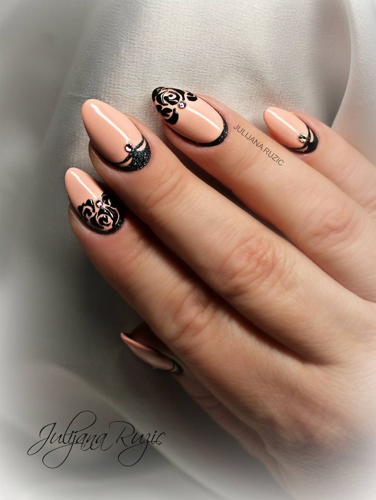 Nail art by Julijana Ruzic