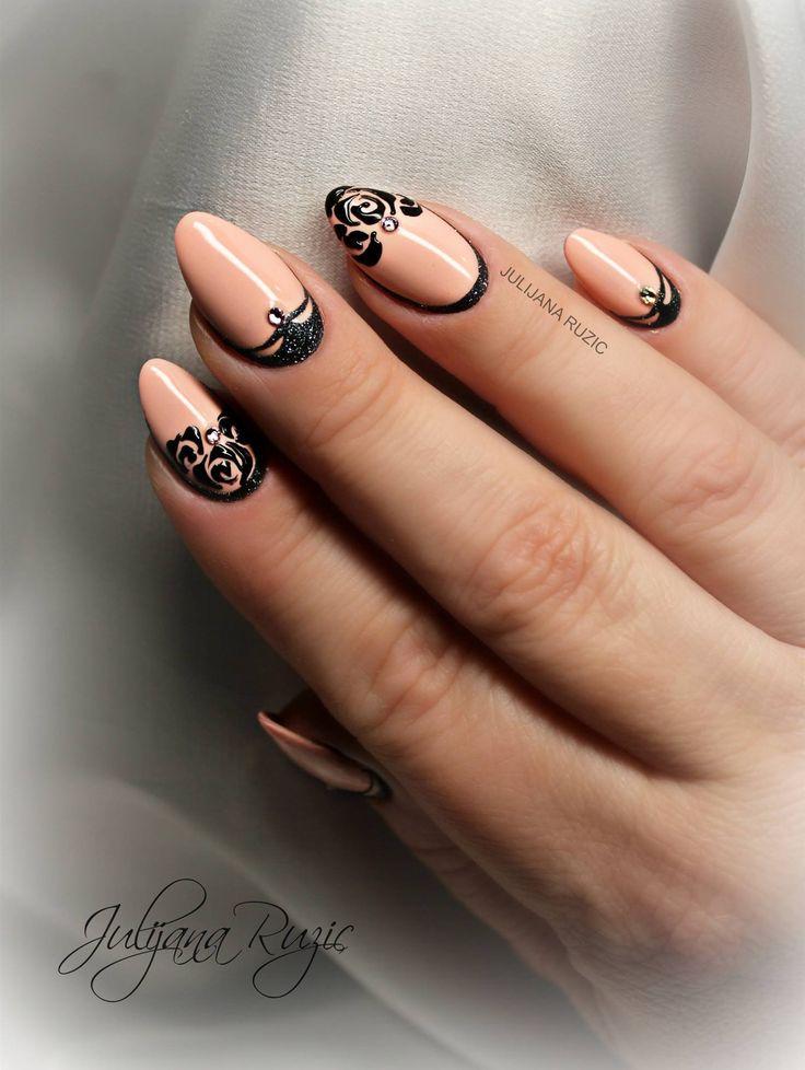 Nail art by Julijana Ruzic