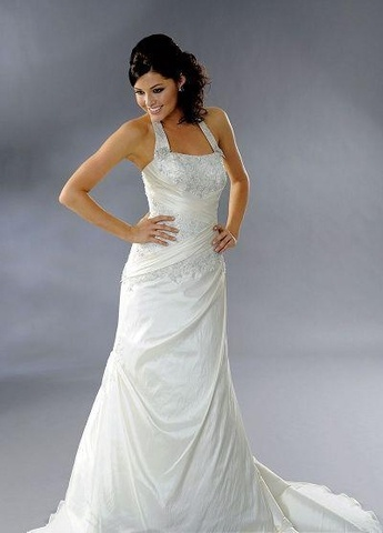 casual a line halter wedding dresses. Loooove the top part! NOT looking for a wedding dress, just love the style ;)