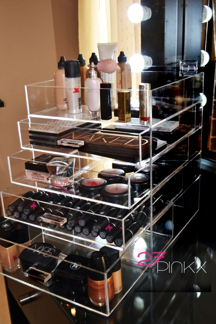 I don't wear a lot of makeup, but I would love to have one of these acrylic makeup  boxes.