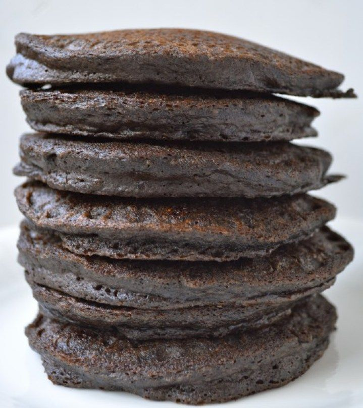 Double Chocolate Protein Pancakes, healthy pancakes full of fruit, protein, and cocoa powder!