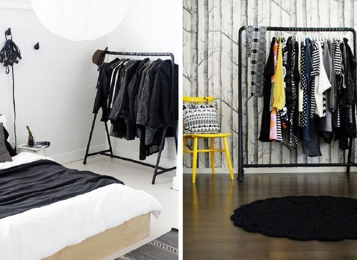 Metalowy wieszak na ubrania w nowoczesnej sypialni