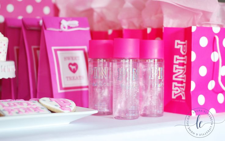 Victoria's Secret Teen PINK birthday party for Tweens. Free Printable included via Laura Elizabeth Lifestyle