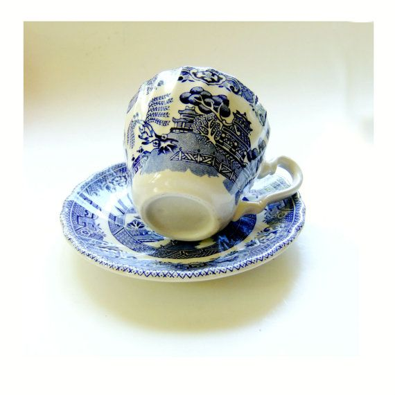 Blue Willow Tea Cup and Saucer by Myott Meakin by SunStateVintage