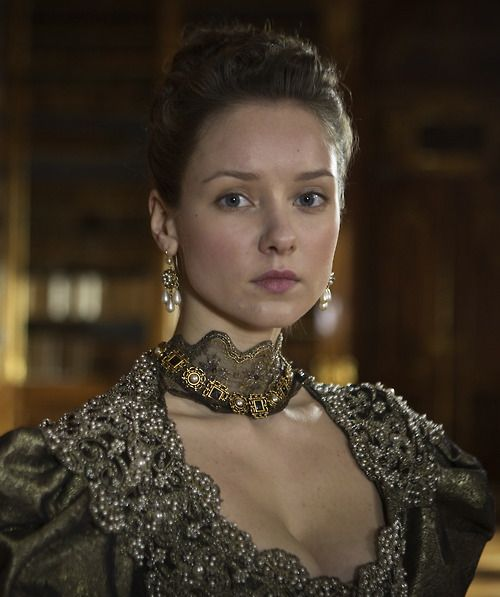 Alexandra Dowling as Queen Anne in The Musketeers (TV Series, 2014). Have I ever mentioned how much I adore this particular dress?