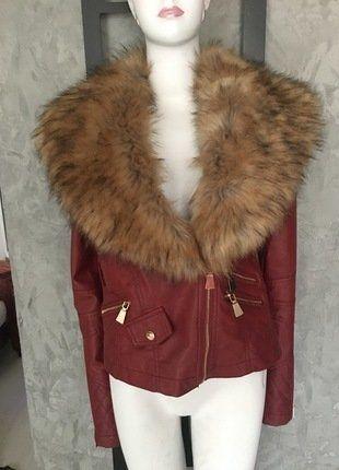 À vendre sur #vintedfrance ! http://www.vinted.fr/mode-femmes/autres-manteaux-and-vestes/26199871-blouson-perfecto-rouge-col-fourrure-tl-neuf