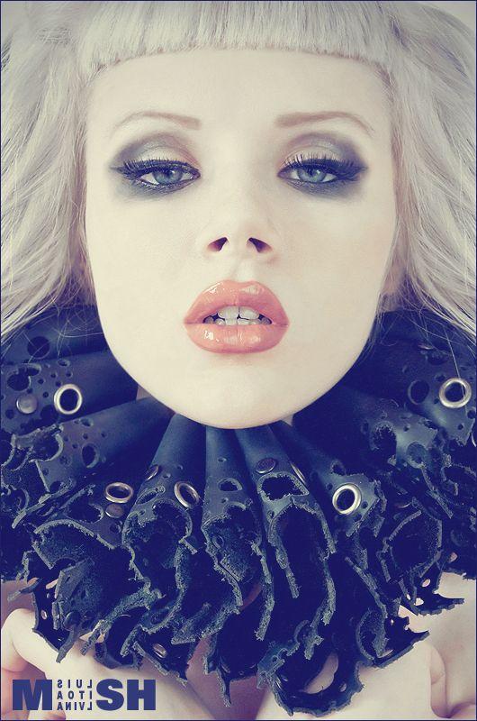 Leather Elizabethan collar Miss Mosh