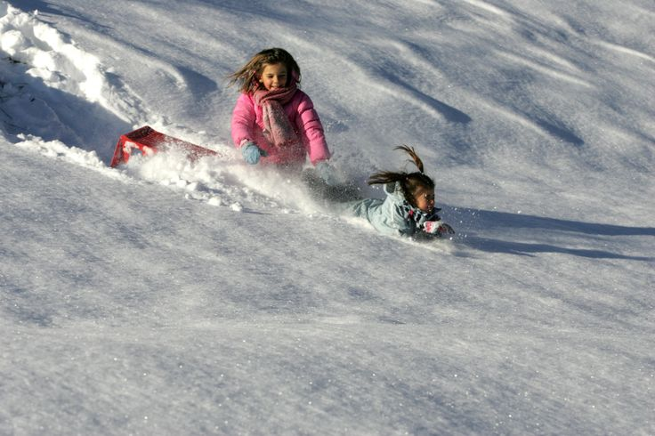 Children will have the opportunity to have fun in the nature, playing with snow, sledges or learning to ski. #children #fun #Valdidentro #winter #snow