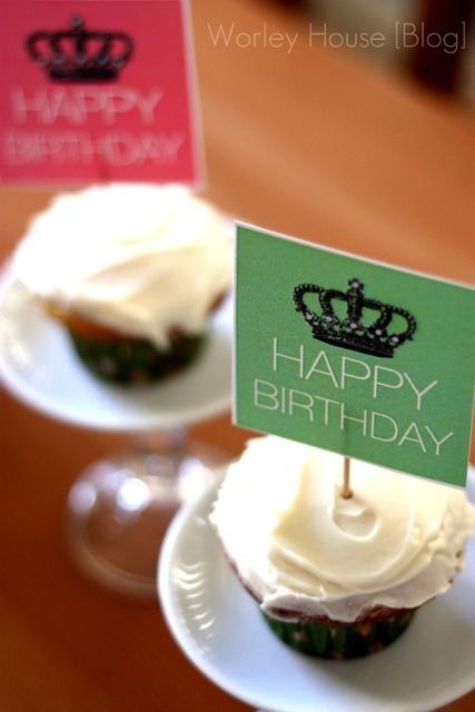 happy birthday cupcakes with @tomkatstudio free printables