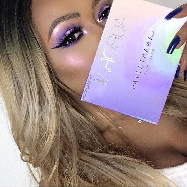 "121.3k Likes, 336 Comments - Anastasia Beverly Hills (@anastasiabeverlyhills) on Instagram: ""Aurora #GlowKit @roxanemaeva  #anastasiabeverlyhills #auroraglowkit"""