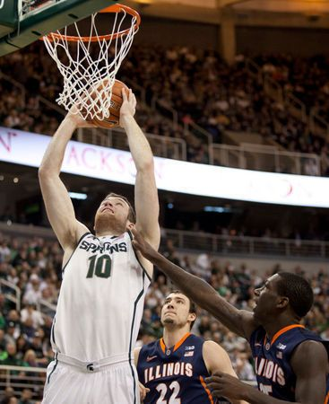 Michigan State post Matt Costello knew he was going to be benched on account of poor ball screen defense | MLive.com