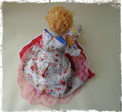 Купить или заказать Коллекционная кукла Тильда в стиле Бохо в интернет-магазине на Ярмарке Мастеров. Коллекционная текстильная кукла выполнена в стиле бохо! Яркая модная барышня ,будет прекрасным незабываемым подарком . Оборки кружева ,декоративные элементы , создают неповторимый образ этой девочки! Обувь и аксессуары выполнены вручную .