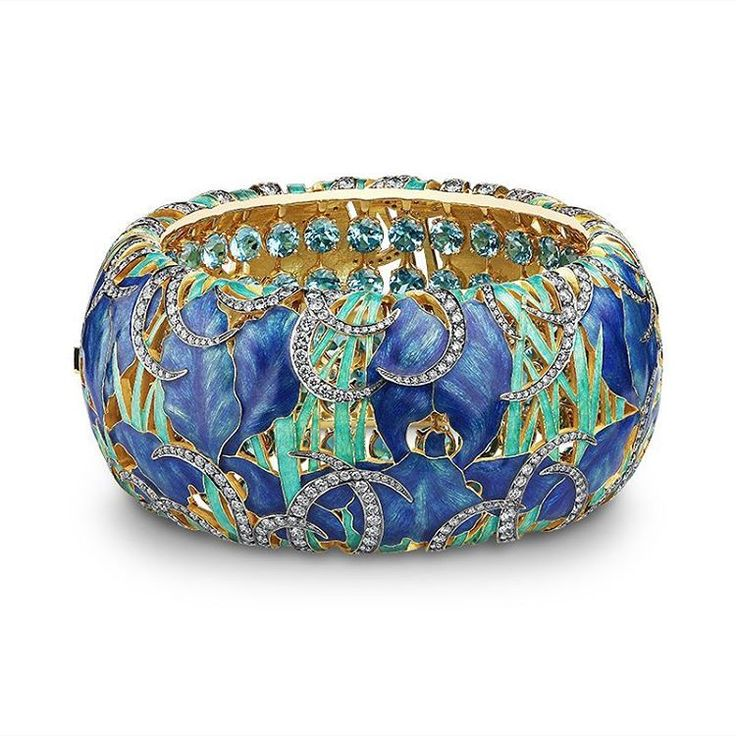 Iris bracelet by Ilgiz F.