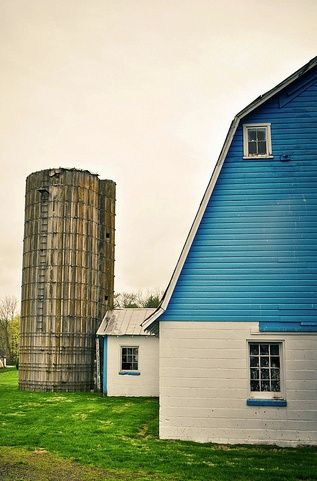 Blue and White Barn-- would love to frame this too