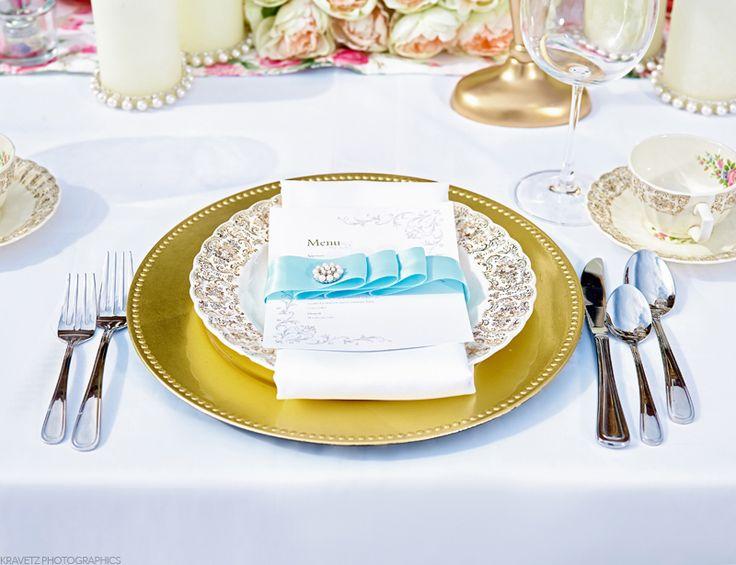 Beautiful Mix of Gold and Blue by Unico Decor #unicodecor #summerwedding #weloveweddings