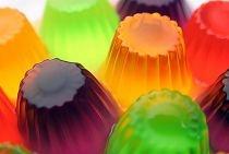 Congelamento de manjericão em cubos