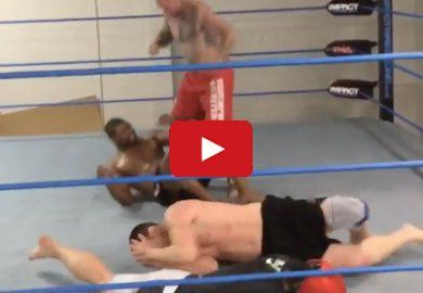 VIDEO | Erick Silva Smashes Pads - SCARY! UFC News | MMA News - BJPENN.COM