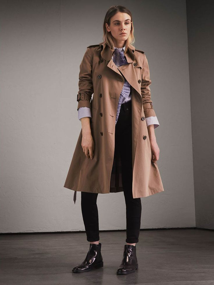 Burberry Launches Sale: 5 Must-Haves to Shop  British fashion brand Burberry recently launched its major winter sale. Make sure to kick off 2018 in style with some great savings. From its iconic trench coat to feminine dresses to sandals and leather bags; there is plenty to choose from. Whether you want to cover up in a lined parka or keep it simple...[Read More]  from Fashion Gone Rogue https://www.fashiongonerogue.com/burberry-winter-2017-2018-sale/ via IFTTT Fashion Gone Rogue