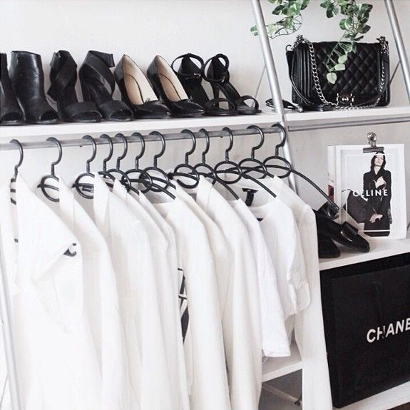 Small Walk In Closet Ideas Could Be So Useful For A Limited Space Usage Homes Have Look At These Cool Wardrobe Design Just Fit To Your