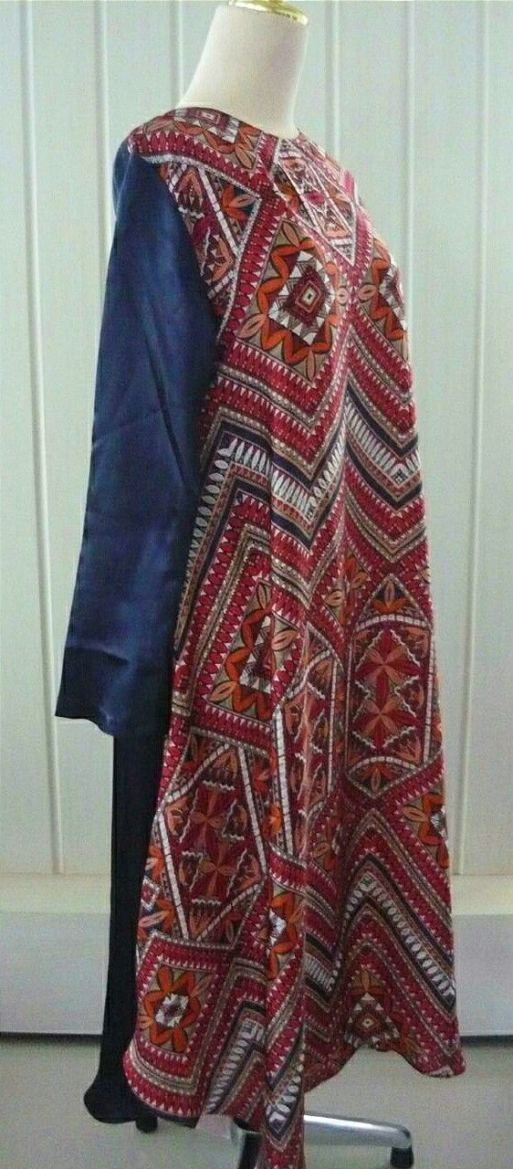 Long tunic from sandywest. Instagram @sandywesrshawl