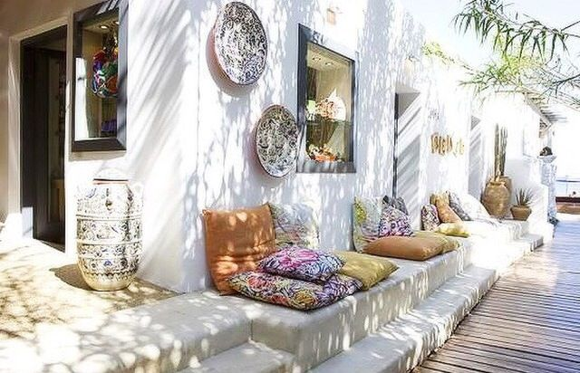 Outside | boho Backyard, ideas, garden, diy, bbq, hammock, pation, outdoor, deck, yard, grill, party, pergola, fire pit, bonfire, terrace, lighting, playground, landscape, playyard, decration, house, pit, design, fireplace, tutorials, crative, flower, how to, cottages.