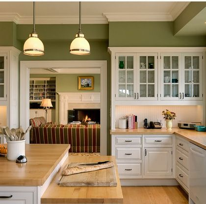 I think I might do my kitchen in green and white, buying a house takes forever I guess it gives me time to plan though.  :)