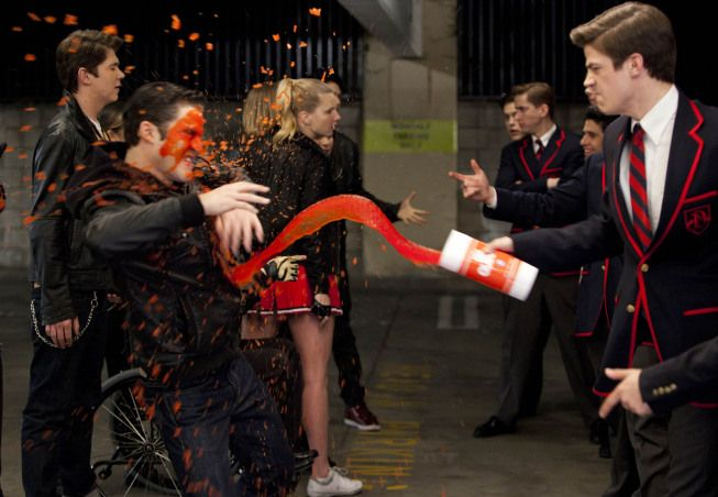 spLiSh! SpLasH! if you missed this great Glee ep -- click here http://www.fox.com/glee/full-episodes/7741052/michael