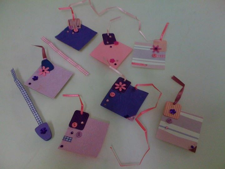 Diy hand made gift tags made from hard paper ncrep and for Best out of waste with paper