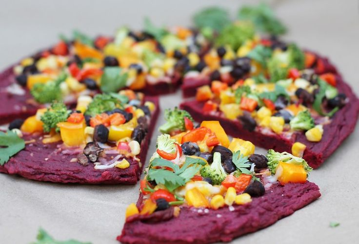 Roter Pizzaboden aus Rote Beete