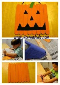 Jack-o-Lantern Door hanging sign: Hanging Signs, Kids Halloween Crafts, Doors Hangers, Jack O' Lanterns Doors, Pumpkin Signs, Doors Hanging, Doors Signs, Popsicles Sticks, Crafty Ideas