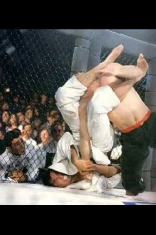 A picture is worth a 1000 words, an arm bar is worth 1,000,000. UFC 2 Royce Gracie armbars Jason Delucia