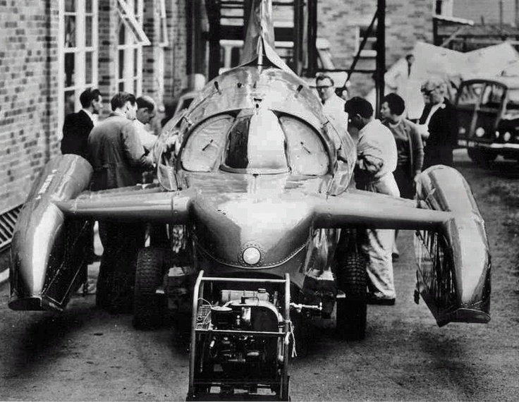 Bluebird K7 at Norris Brothers at Burrell Road, Haywards Heath in October 66.