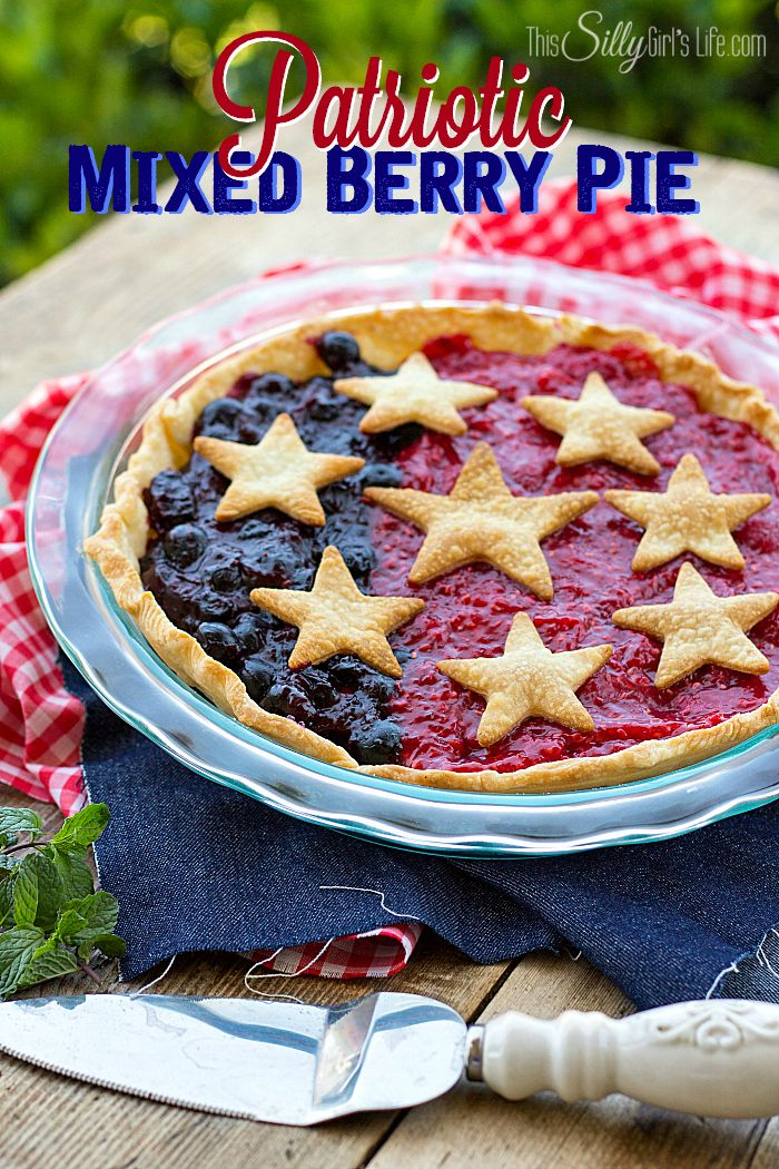 Patriotic Mixed Berry Pie, simple and easy berry pie recipe, decorated for 4th of July! (Or Memorial Day, or summer, or just because.. you get the idea!) - ThisSillyGirlsLife.com #patrioticrecipes #berrypie