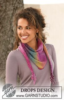 "DROPS shawl in stockinette st in ""Delight"" with crochet border. ~ DROPS Design - free"