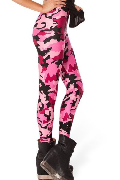 Leggins Pink Ladies  Divertidos Leggins Pink Ladies. Unos originales y bonitos leggins que mezcla el negro con varios tonos del color rosa. Unos extravagantes leggins que combinarán con uno de nuestros tops y camisetas.  Código producto: DL1220