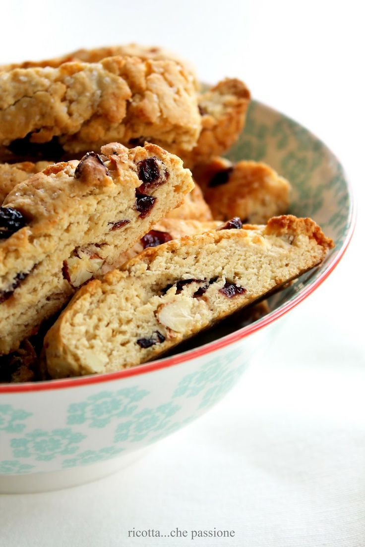 cranberry and almonds biscotti for breakfast