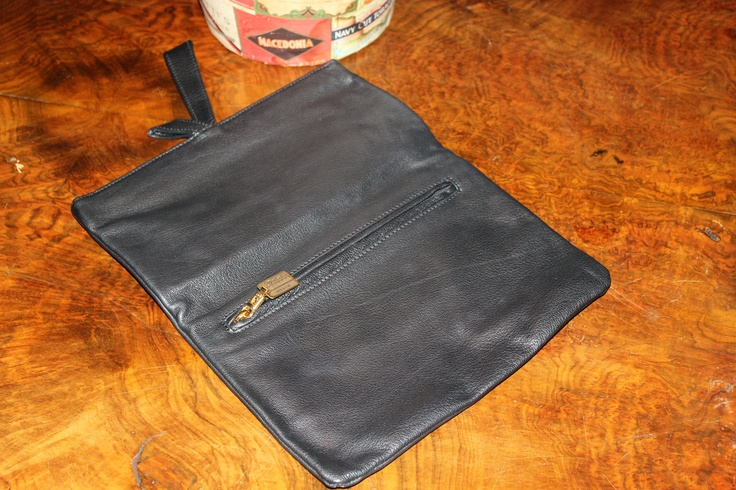Extremely vintage leather bag