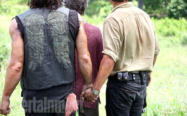 Behind the Scenes of 'Walking Dead' Photo Shoot *