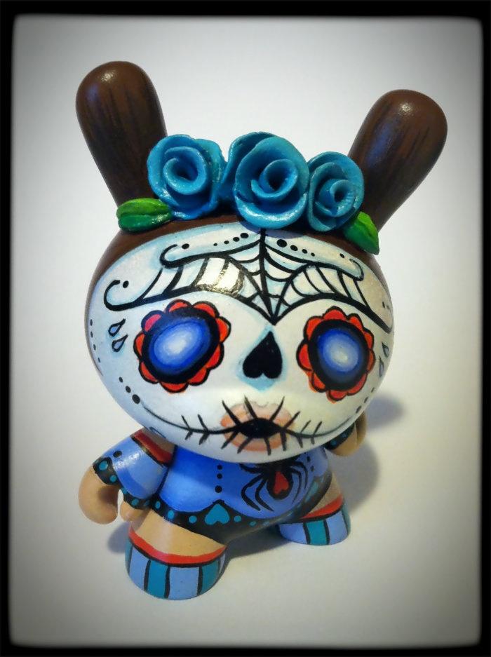 """Custom 3"""" dunny by April Elliot: Skull"""